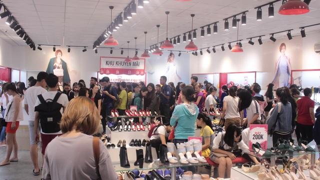 """Thêm một thương hiệu giày Việt thách thức các """"ông lớn"""" quốc tế - 2"""