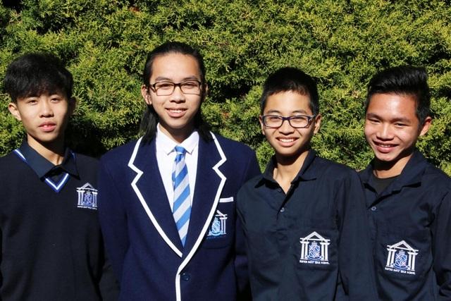 4 học sinh của Công ty Đức Anh tại trường nam sinh Napier, New Zealand