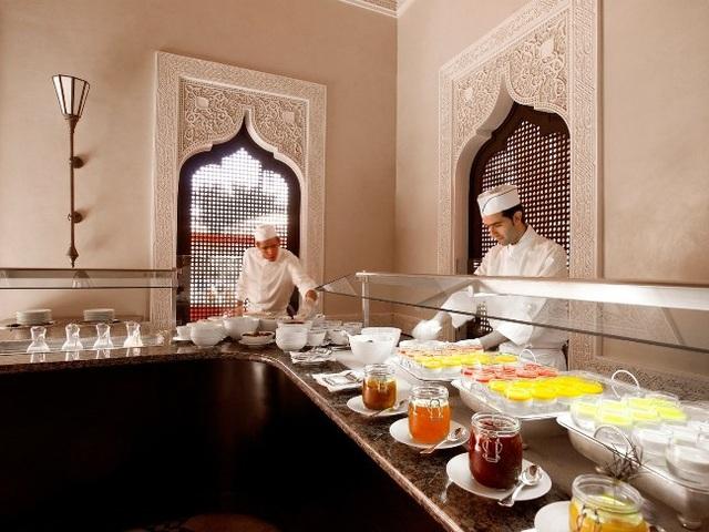 10 khách sạn có bữa ăn sáng muộn ngon nhất thế giới - 2