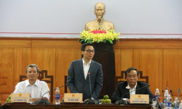 Phó Thủ tướng chỉ đạo Huế cần tiên phong triển khai ứng dụng công nghệ thông tin cho tuyến y tế cơ sở, bắt đầu từ Hệ thống quản lý tiêm chủng quốc gia