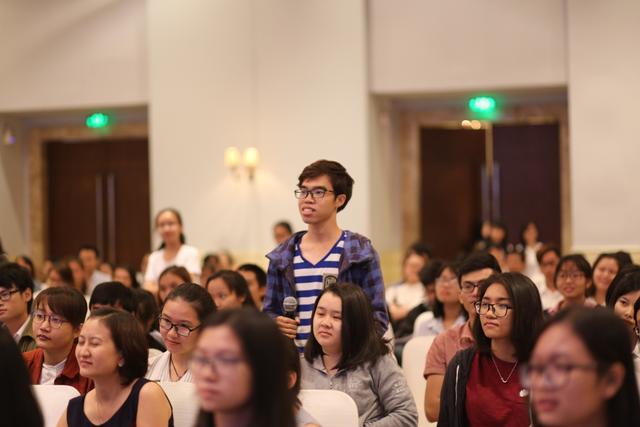 Bạn trẻ TP. HCM háo hức đón chờ, đặt hỏi về cách thức trở thành TNV dự án.