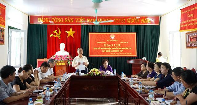 Chủ tịch Hội Khuyến học tỉnh Sơn La Trần Luyến phát biểu tại chương trình