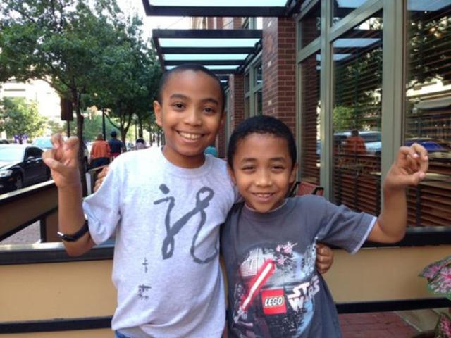 Em trai của Carson (11 tuổi) cũng sẽ học TCU như anh trai mình (Ảnh: Culture Map).