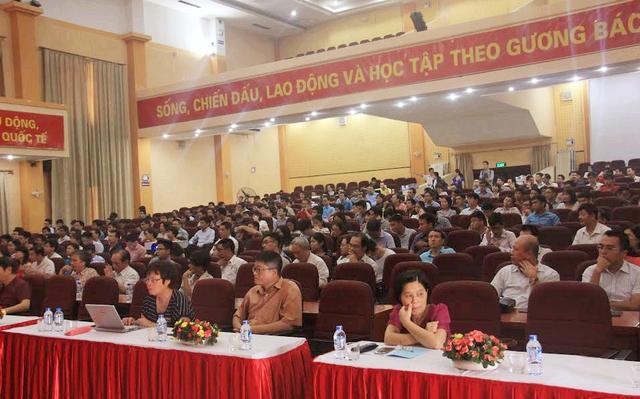 Hội thảo thu hút đông đảo người làm khoa học, giáo dục tham dự.