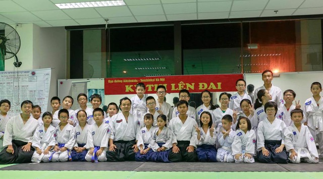 Các thầy cô HLV trong một lớp học Aikidokids.vn ở Hà Đông