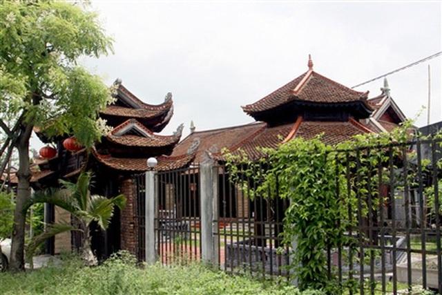 Một khu nhà cổ thuần Việt được ông Nhân phục dựng