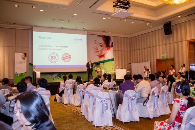 Ông Warut Pangpomma, CEO Công ty Vietcan phát biểu khai mạc