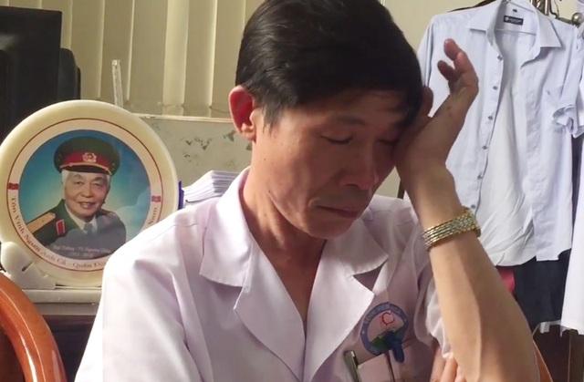 Phó Giám đốc Bệnh viện bật khóc khi nói về vụ BS Lương bị bắt - 1