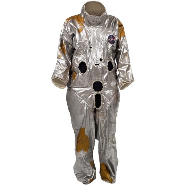 Các vật dụng trên tàu Apolo được bán với giá hàng triệu USD trên eBay - 2