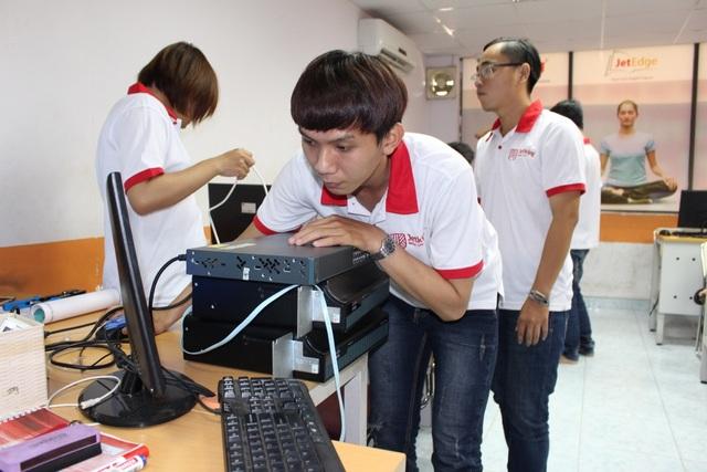 FPT Jetking mở rộng cơ hội cho các bạn trẻ đam mê công nghệ có thể thực hiện hoá giấc mơ của mình mà không cần phải thi tuyển, xét tuyển.