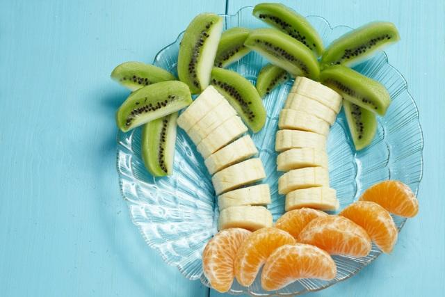 Với những trái cây quen thuộc, mẹ hãy thử tạo hình với những ý tưởng mới mẻ, sáng tạo