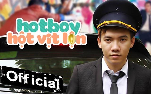 """Bên cạnh đó, nam ca sĩ cũng """"rộng rãi"""" hát hai đoạn trong hai bài hát mới sáng tác để học trò Trịnh Phong của mình sẽ thể hiện. Anh gửi gắm hi vọng fan sẽ ủng hộ."""