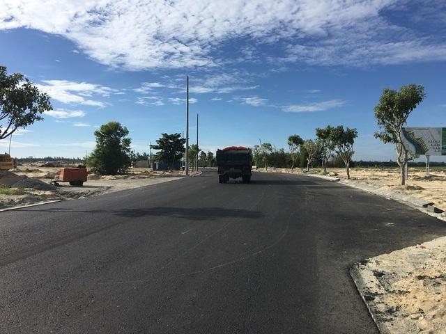 Trục đường 20,5m của dự án Ngọc Dương Riverside đã được trải nhựa.