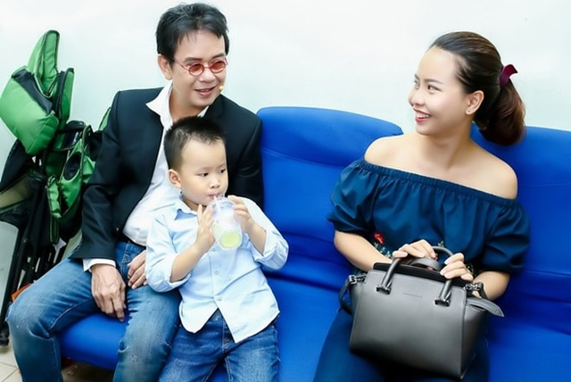 Gia đình hạnh phúc hiện tại của nhạc sĩ Đức Huy