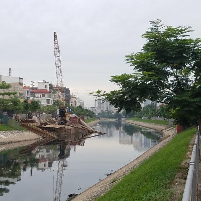 Riêng trên phố Vũ Tông Phan, 3 cây cầu mới đang chuẩn bị xây dựng trong bán kính chỉ khoảng 2km
