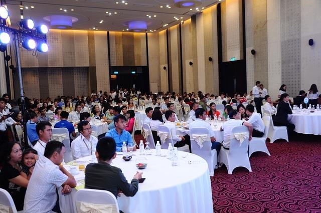 Đông đảo khách hàng tham dự sự kiện bốc thăm ô tô Honda City.