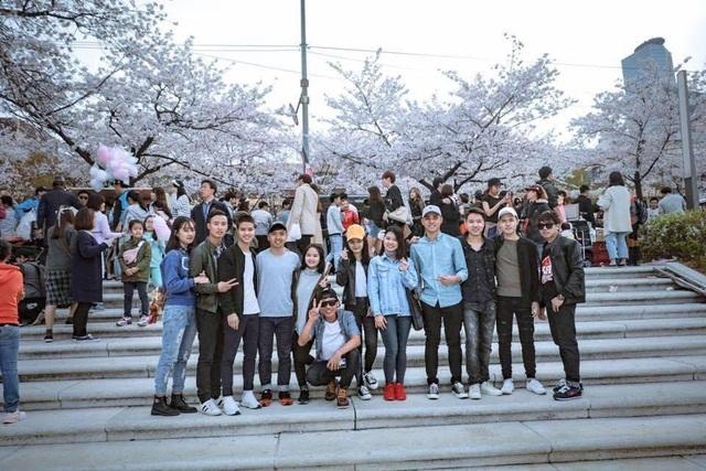 Cùng bạn thân du lịch đó đây là điều tuyệt vời bạn nên làm trong các kỳ nghỉ tại Hàn