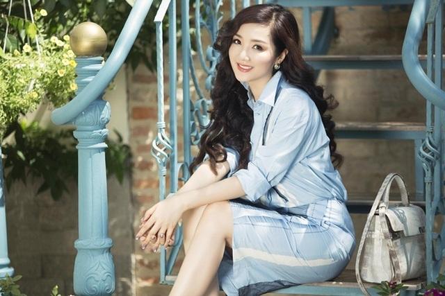 Hoa hậu Đền Hùng Giáng My trẻ trung dù đã bước vào độ tuổi U50