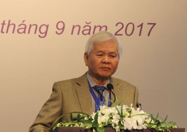 TS. Lê Quang Minh cho biết, ông cũng từng như rất nhiều người dân Việt - không tin về chất lượng giáo dục phổ thông của nước mình.