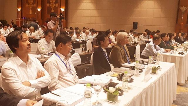 Các đại biểu tham dự Hội thảo Giáo dục 2017 cùng bàn thực trạng, đề xuất giải pháp nâng cao chất lượng giáo dục phổ thông.