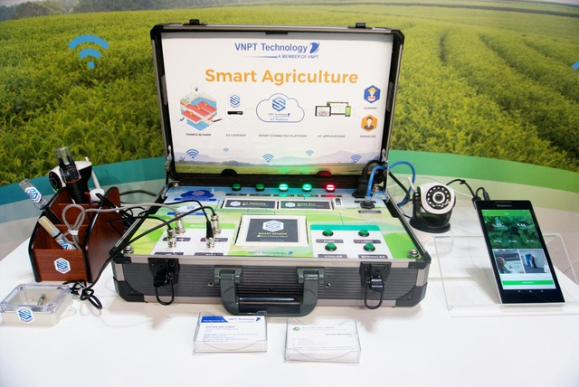 Vali IoT cho giải pháp Smart Agriculture của VNPT Technology, mô tả cách vận hành các cảm biến và điều khiển thông qua ứng dụng trên điện thoại