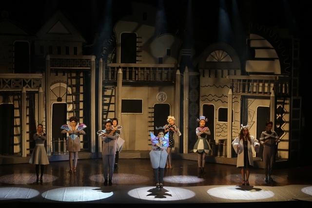 """""""Bé Chịu Chơi"""" là một gương mặt sáng giá trên sân khấu tháng 10 khi hội tụ những yếu tố ăn khách hiện nay."""