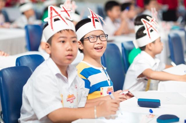 Con số 10.000 thí sinh tham gia đã cho thấy sức hấp dẫn và sự quan tâm rất lớn của phụ huynh và học sinh đối với cuộc thi.