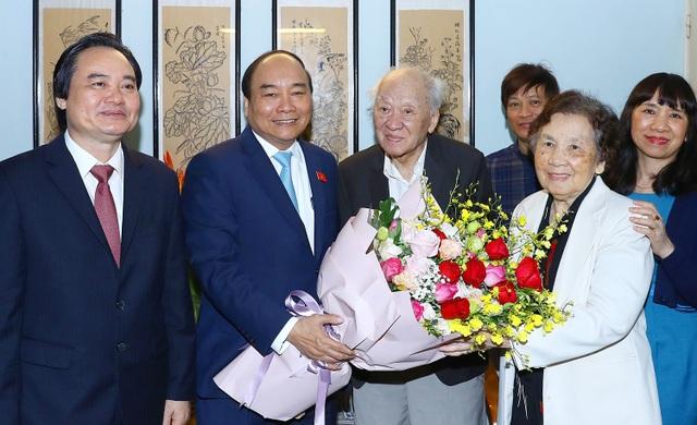 Thủ tướng thăm nhà giáo Thái Thị Liên 100 tuổi - 2
