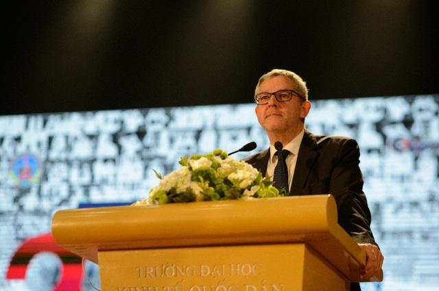 TS. Jean Louis Pare – Giám đốc CFVG
