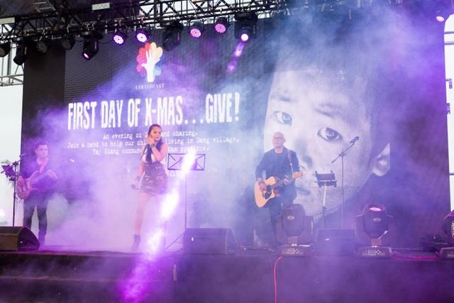 Đến với chương trình, các khán giả đã được hoà mình vào thế giới âm nhạc sôi động từ ban nhạc Philipines, Công-gô và U-krai-na