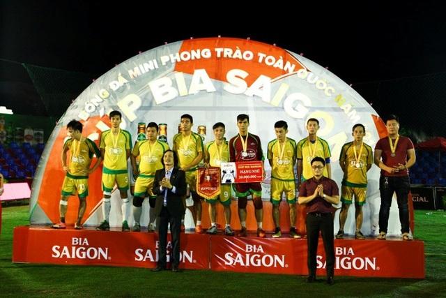Thành Đạt Mobile đoạt Á quân được nhận 20 triệu đồng tiền thưởng.