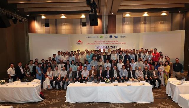 Các nhà khoa học quốc tế tham dự hội thảo