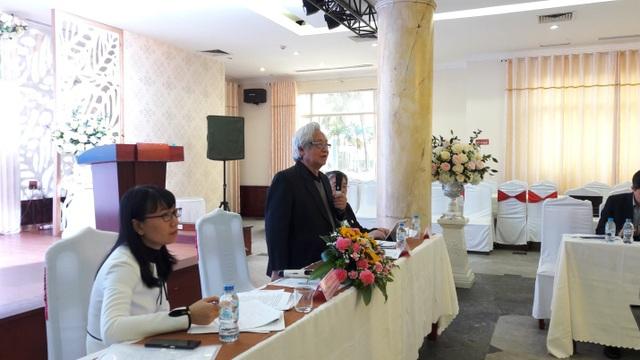 GS.TS Phạm Tất Dong phát biểu tại hội nghị