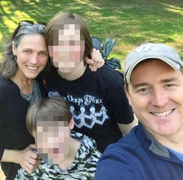 Scott và Buckley kết hôn năm 2005 và còn có một con trai 10 tuổi