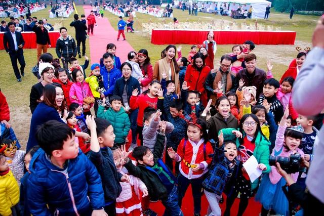 Mỹ Đình Pearl tràn ngập tiếng cười trẻ thơ trong ngày Giáng sinh