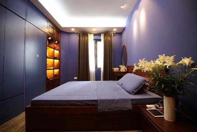 Thùy Dương giới thiệu phòng ngủ trang nhã, lãng mạn.