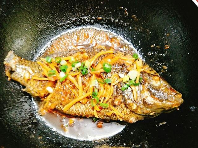 Cá rô phi sốt nước tương đơn giản mà thơm ngon đến nao lòng - 9