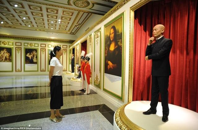 """Choáng ngợp nội thất xa hoa bên trong """"cung điện Versailles"""" ở Trung Quốc - 8"""