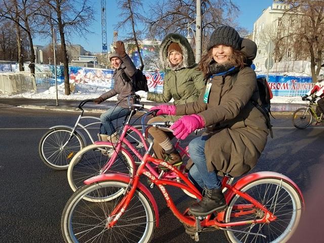 Độc đáo cuộc diễu hành xe đạp dưới trời lạnh âm 28 độ C - 4