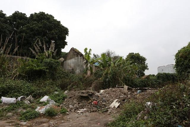 Khu này vẫn bị bỏ hoang chờ Tập đoàn Than Khoáng sản cải tạo.