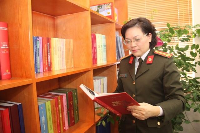 """Nữ nhà giáo hai lần đoạt danh hiệu """"Chiến sỹ thi đua toàn lực lượng CAND"""" - 3"""