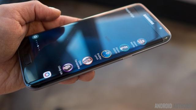 Galaxy S7 edge đã hoàn thành xuất sắc trong nhiệm kỳ 2016-2017 của mình (Ảnh: Android Authority)