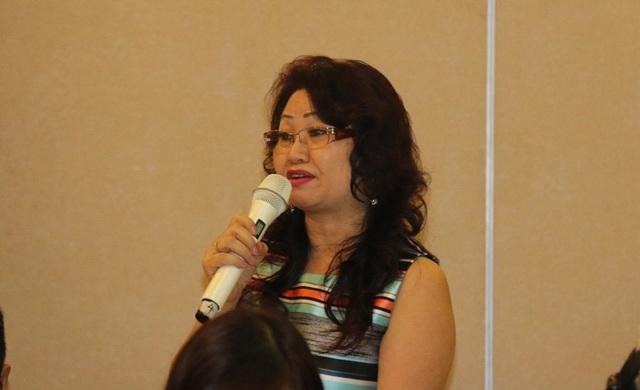 Bà Nguyễn Kim Dung - Giám đốc pháp chế của Apollo Việt Nam và ĐH Anh Quốc bày tỏ băn khoăn về cách thức chứng minh nguồn vốn đầu tư, tiêu chí đối với giảng viên người nước ngoài