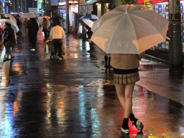 Nở rộ các quán cà phê hẹn hò với nữ sinh ở Nhật Bản - 4