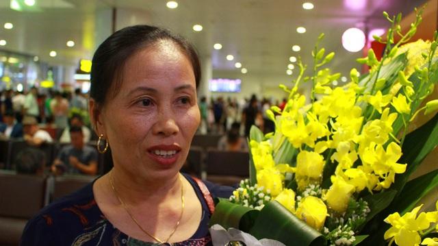 Chồng mất, chị Trần Thị Vy Hạnh (mẹ Quỳnh) một mình mưu sinh nuôi hai con trai ăn học.
