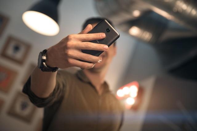 Smartphone Pháp chụp ảnh siêu pixel 52MP và hiệu ứng bokeh đẹp - 3