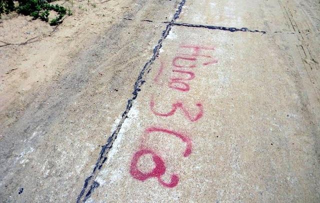 """Các lô đất ven biển đã được ghi sơn đỏ """"Hùng Ba Cơ""""."""