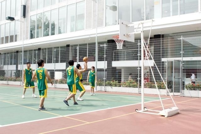 Phụ huynh và sinh viên rất ấn tượng với cơ sở vật chất hiện đại cùng môi trường học tập quốc tế năng động tại SIU.