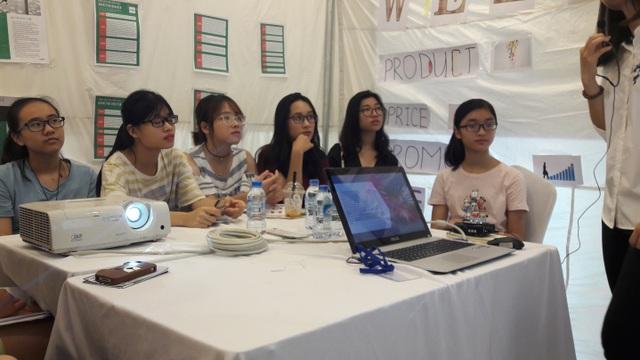Học sinh THPT trải nghiệm mô hình nghề nghiệp tại bão Fair 2017 - 3
