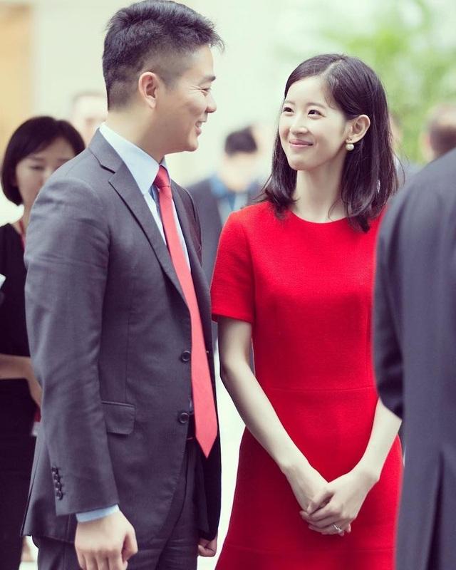 """Theo tạp chí New Fortune, cặp đôi này đã phủ nhận mối quan hệ của họ trong một thời gian dài, nói rằng họ chỉ là """"bạn cùng lớp"""". (Nguồn: IG)"""